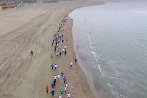 Statiunea Mamaia a adunat peste 700 de sportivi la Maratonul Nisipului. Ghenadie Timbalist si Nicoleta Ciortan, castigatorii intrecerii