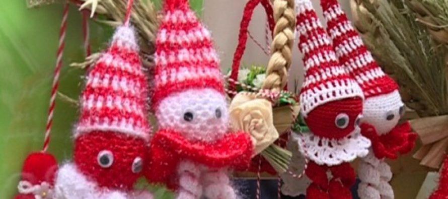 1 Martie, ziua in care celebram Martisorul. Ce semnificatii are micul talisman agatat de snur alb si rosu care vesteste primavara