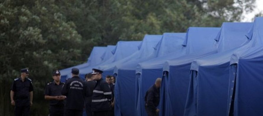 Primii refugiati au ajuns in Romania cu un avion de linie de la Atena