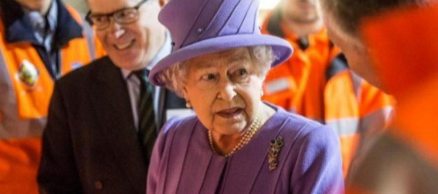 Un roman a fost decorat de Regina Elisabeta a II-a a Marii Britanii pentru activitatea scolara de exceptie din Regat
