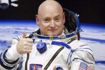 Scott Kelly, astronautul care a stat 1 an in spatiu, continua sa aiba probleme de sanatate