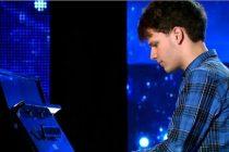 ANDREI SURDU, ROMANII AU TALENT 29 APRILIE 2016. Un pianist desavarsit in semifinala 1