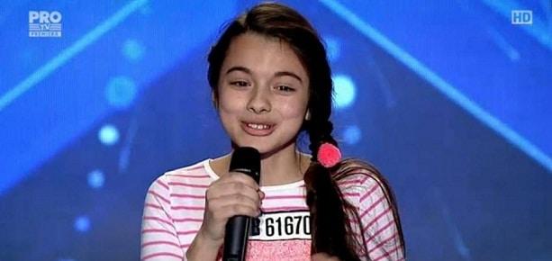LAURA BRETAN, ROMANII AU TALENT 8 APRILIE 2016. VIDEO. Juriul Romanii au Talent, in lacrimi pentru fata din Chicago!