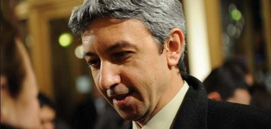 Dan Diaconescu a iesit din inchisoare pentru a merge la inmormantarea tatalui. FOTO