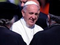 Papa Francisc a mers pe insula Lesbos, unde a facut apel la rezolvarea crizei umanitare a Europei