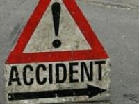 Accident in Bistrita, doi tineri au murit dupa ce masina a intrat in doua tiruri
