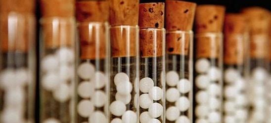 50 de medici si-au transformat pacientii in cobai pentru medicamente experimentale. Medicii primeau chiar si 120.000 de euro pe studiu!