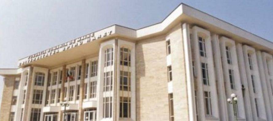 Absolventii Spiru Haret primesc o veste buna. Diplomele neautorizate pana in 2011 vor fi recunoscute de Ministerul Educatiei