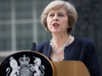 Theresa May, dupa atacul de la Londra: Atacatorul este un cetatean britanic anchetat pentru extremism. Printre raniti sunt cetateni francezi, romani, greci si un neamt