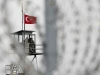 Intre haosul Orientului zglobiu si ordinea Occidentului bolnav