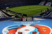 Le Point: UEFA spala imaginea fotbalului cu actiuni de caritate la EURO 2016