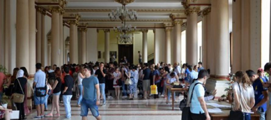 UMF Bucuresti si UMF Targu Mures vor avea, incepand cu anul universitar 2018-2019, studenti la medicina militara anul I