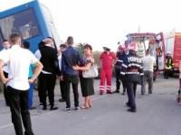 Accident in Bacau, intre Buhoci si Dospinesti. Sapte persoane au fost ranite, autocarul venea de la o nunta