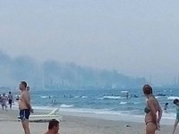 Explozie la Petromidia Navodari, soldata cu un mort si trei raniti. Fumul degajat de explozie nu prezinta pericol pentru populatie