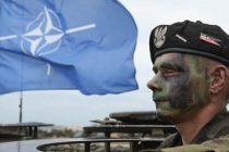 The Independent: Trupele NATO, tot mai aproape de un conflict cu armata rusa