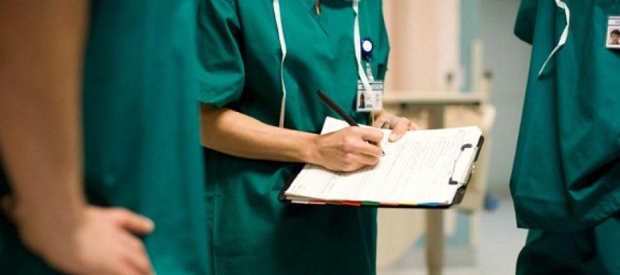 Colegiul Medicilor: Tinerii care se formeaza in marile centre universitare aleg sa plece in strainatate, deoarece in tara nu au cum sa se dezvolte profesional