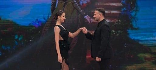 CASTIGATOARE BRAVO AI STIL, 17 DECEMBRIE 2016. Andreea si Cristina Mihaela, tinute de senzatie in finala