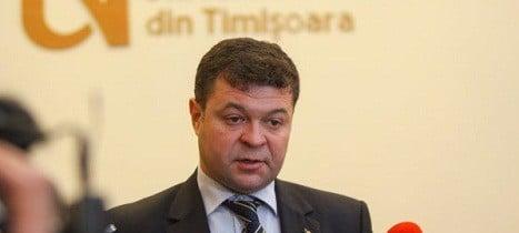 Marilen Pirtea, rectorul Universitatii de Vest din Timisoara, acuzat de plagiat. El este cel care ancheteaza plagiatul lui Kovesi
