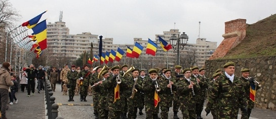 ZIUA NATIONALA A ROMANIEI. Marea Unire, sarbatorita la Alba Iulia cu o parada spectaculoasa si 3 tone de fasole si carnati