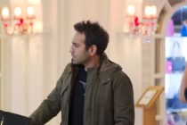 DRAGOSTE CU IMPRUMUT EPISODUL 93 REZUMAT, 20 IANUARIE 2017. Fatih si Zeynep au surpriza de a se trezi cu Mukkades in Antalya