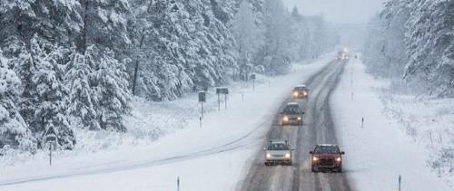 Drumuri si autostrazi inchise de viscol. INFOTRAFIC: Sunt inchise zeci de drumuri nationale si Autostrada Soarelui Bucuresti - Constanta