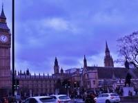 Marea Britanie vrea sa puna taxa de 1.000 de lire pe an pentru muncitorii romani si sa limiteze numarul de migranti