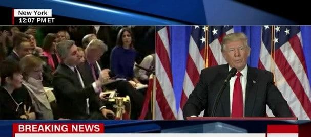 Trump i-a inchis gura unui reporter CNN: You are fake news! VIDEO