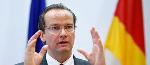 Presedintele Comisiei pentru afaceri europene din Bundestag cere convocarea de urgenta a lui Grindeanu la Bruxelles
