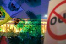 Medicii din Romania, prima reactie la ordonante: Retrageti OUG. Cresterile salariale pot fi vazute ca o forma de mita. Medicii au iesit la proteste seara de seara
