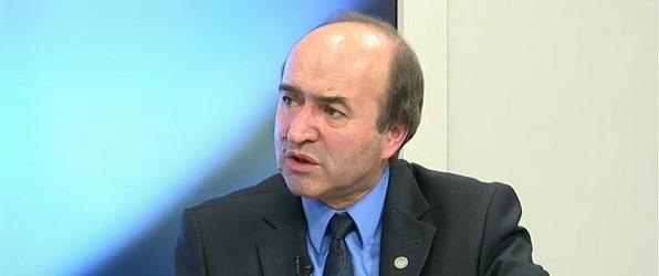 Ministrul Justitiei, Tudorel Toader, prezinta evaluarea sefei DNA Laura Codruta Kovesi si a procurorului general Augustin Lazar