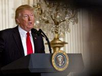 Donald Trump a semnat decretul prin care pune capat despartirii familiilor de migranti care au trecut ilegal frontiera cu Mexicul