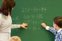 FSLI: Mii de profesori isi vor pierde locul de munca dupa reducerea numarului de ore in invatamant