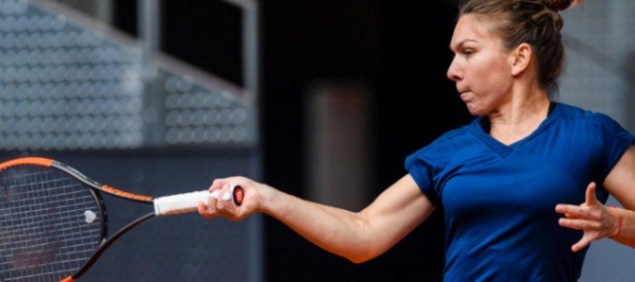 Simona Halep a invins-o pe Kasatkona si este in semifinale la Beijing