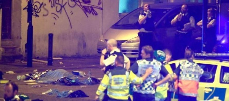 INCIDENT TERORIST LONDRA. O duba a intrat in plin intr-un grup de credinciosi musulmani