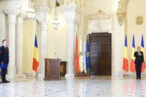 Mihai Fifor si Gheorghe Simon, noii ministri de la Aparare si Economie, au depus juramantul la Palatul Cotroceni