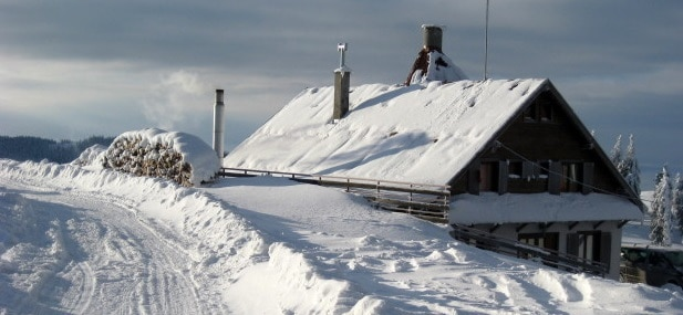 Iarna 2017 - 2018 va fi cu trei viscole, ca in 2012, cand au fost troiene cat casa. Semnal de alarma tras de Ion Sandu, presedintele Societatii Meteorologice Romane