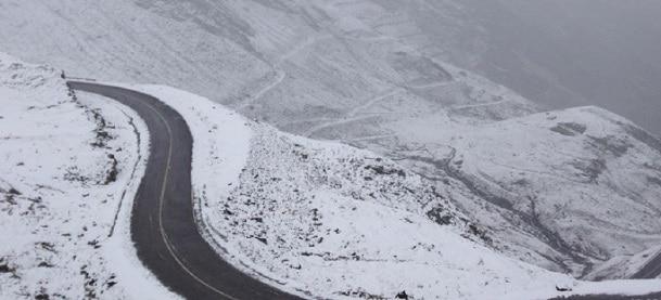 Transfagarasanul se inchide, incepand de sambata, din cauza ninsorii