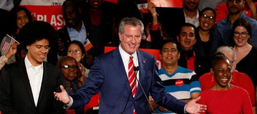 Primarul democrat al orasului New York, Bill de Blasio, a fost reales pentru un nou mandat