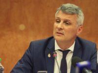 Lupta anticoruptie nu sta intr-o persoana, sustine Daniel Zamfir comentand un articol din New York Times potrivit caruia lupta anticoruptie din Romania este in pericol