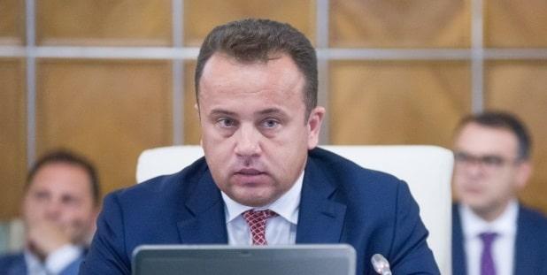 Liviu Pop, despre remanierea Guvernului: Daca moftul presedintelui continua pe tema blocarii activitatii Guvernului, vom clarifica acest moft in Parlament, conform Constitutiei
