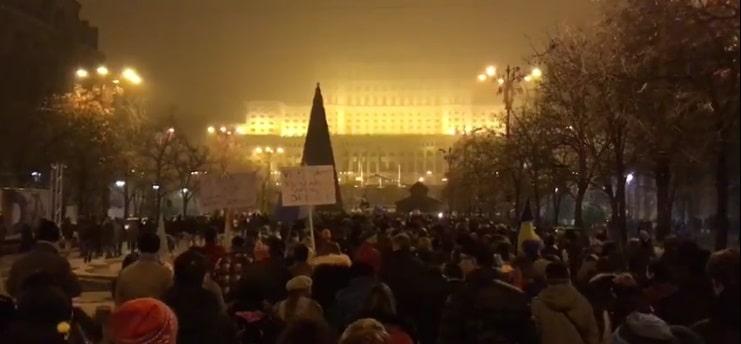 Proteste ample in Bucuresti, in mai multe orase din tara si in diaspora fata de Legile Justitiei