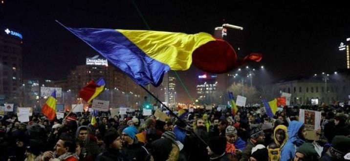 Proteste la Parlament dupa ce s-a votat statutul magistratilor