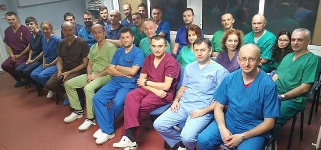 Medicii de la Institutul de Urologie si Transplant Renal din Cluj le multumeste celor care i-au ajutat cu donatii si precizeaza ca institutul nu mai are datorii