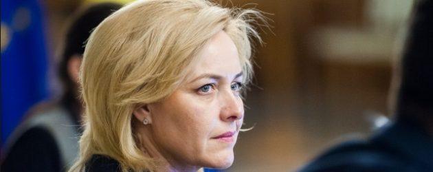 Ministrul de Interne le-a cerut scuze celor care au avut de suferit la protestul din 10 august, a acuzat mai multe manipulari si a prezentat unele cazuri drept stiri false
