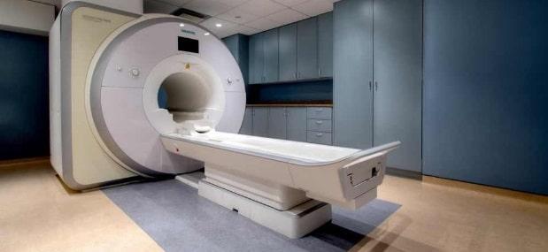 Mai multe spitale judetene si din Bucuresti vor fi dotate cu echipamente medicale de rezonanta magnetica (RMN) si computer tomograf (CT)
