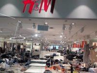 Magazinele H&M din Johannesburg, Africa de Sud, distruse de manifestanti