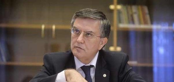 Mircea Dumitru, rectorul Universitatii Bucuresti, a demisionat din CNATDCU in semn de protest fata de numirea lui Valentin Popa la Ministerul Educatiei...