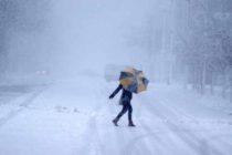 Alerta ANM de vreme extrema. Va continua sa ninga, iar vantul va sufla in rafala