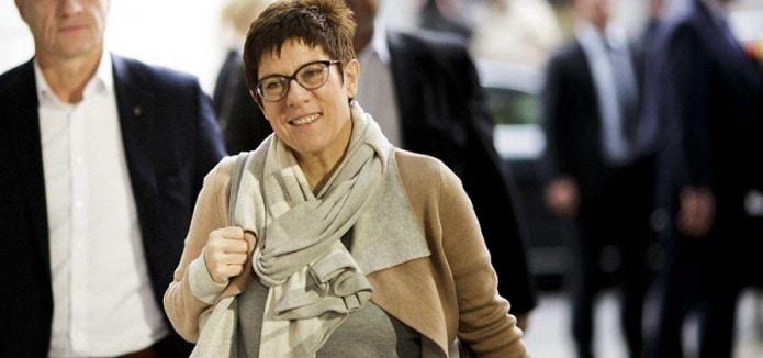 Kramp-Karrenbauer, posibila succesoare a lui Merkel? Analiza Der Spiegel