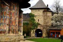 Oferte tentante pentru vacanta de Paste 2018, dar si pentru concediul de vara. Manastirile din Bucovina, principala atractie